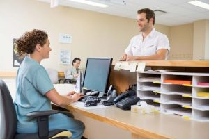 medical receptionist salary